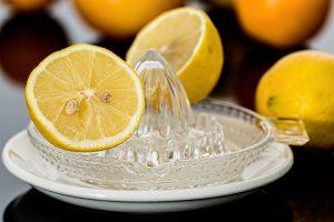 Acqua e limone benefico