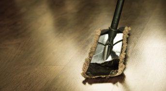 Lavare i pavimenti: ecco ogni quanto tempo va fatto