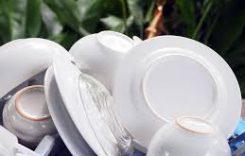 Lavare i piatti semplicemente: consigli su come fare senza lavastoviglie