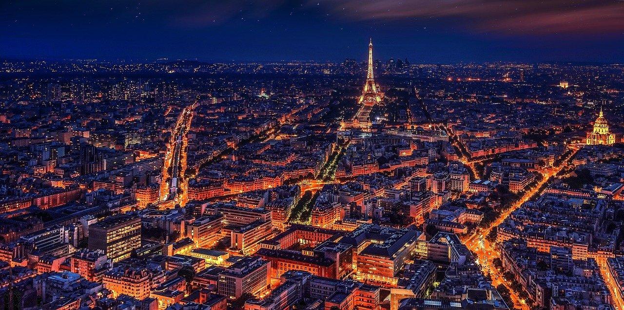 Francia, è lockdown. Macron parla alla Nazione