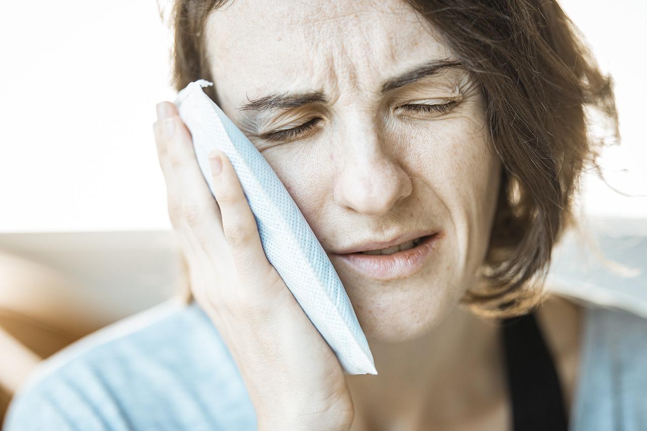La parodontite , quella brutta malattia che causa un tremendo dolore